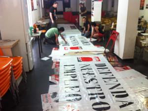 foto_accion_pancarta_defendamos_nuestro_empleo_01