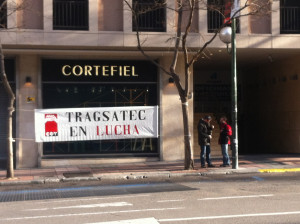 foto_concentracion_juicio_despido_colectivo_tragsatec_2014_03_24_01