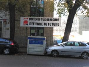 foto_accion_pancarta_defiende_derechos_futuro_01