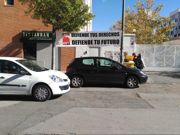 foto_accion_pancarta_defiende_derechos_futuro_02